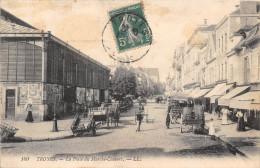 TROYES - La Place Du Marché Couvert - Troyes