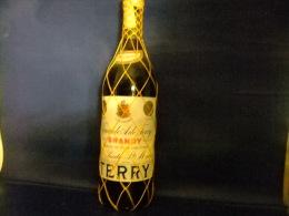 ANTIGUA BOTELLA BRANDY TERRY CENTENARIO LITRO VINTAGE 1970 / 1975 - Spirituosen