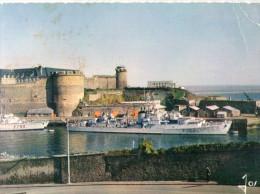 Brest Le Chateau Et L'entrée De L'arsenal   CPSM Ou CPM - Brest