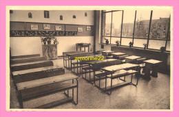 CPSM  Belgique  WAREMME Institut Notre Dame Du Sacré Coeur  ,école Primaire Une Classe - Waremme