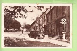LE MARTRAT - La Poste  - Véhicule Devant Poste à Essence SHELL  - Peu Courant  - BE - Ed. A. Meunier - 2 Scans - Francia