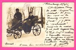 Russie - Très Belle Carte Photo De St Pétersbourg - Homme Dans Une Calèche Avec Cocher Russe - Ouchanka - Animée - 1905 - Russia