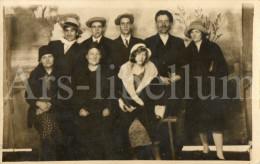 Photo Ancien / Foto / Old Photo / Hommes / Men / Women / Femmes / 1920s - Personas Anónimos