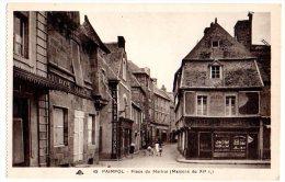 Cpa  Paimpol   Place Du Martrai . (Maisons Du XIè S. )   .   TBE - Paimpol