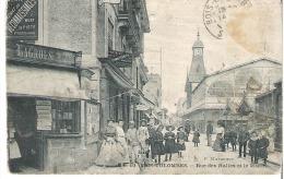 BOIS COLOMBES   Rue Des Halles Et Le Marché - Autres Communes