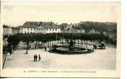 GUERET (23) - Place Bonnyaud - La Fontaine Et Le Palais De Justice - Guéret