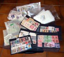 Berlin Umfangreicher Bestand In Kiste (ca. 2,2 Kg) - Vrac (min 1000 Timbres)