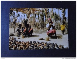 Togo Carte Postale  Marchande De Poterie - Togo