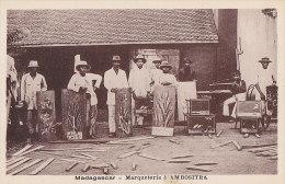 Afrique - Madagascar - Métiers Ebénisterie Marqueterie - Ambositra - Editeur Paillard - Madagascar