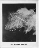 Aout 1944 USAAF île De Cezembre Baie De Saint-malo Bombardement 1 Photo Aérienne 1939-1945 39-45 Ww2 Wk2 - War, Military