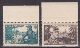 N° 451 Et 452 Pour Nos Soldats: Fantassin Et Strasbourg Marsouin Et Village Africain; Timbres Neuf Sans Charnière - Unused Stamps