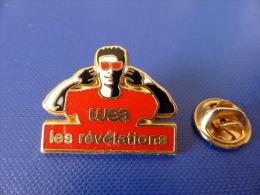 Pin's Arthus Bertrand - Wea - Les Révélations - Rouge (AC43) - Arthus Bertrand