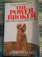 LIVRE AMERICAIN THE POWER BROKER  PAR ROBERT A. CARO ANNEE 1982 1250 PAGES - Non Classés