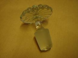 Lot. 1206. Magnifique Bouchon De Caraffe En Verre - Glas & Kristall