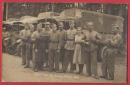 BITCHE : Carte Photo De Militaires , Femmes Et Camions , Année 1920 - Bitche