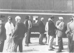 35 - COMBOURG (tirage 150 Exemplaires) : Inauguration Gare Rénovée (18/05/1985) Causerie Devant La Filleule - CPM GF - Combourg