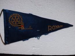 Fanion:  ROYAN     * ROTARY CLUB INTERNATIONAL * - Organisations