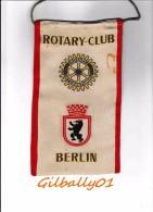 Fanion/Penant:   BERLIN.  ALLEMAGNE.    * ROTARY CLUB INTERNATIONAL * - Vereinswesen