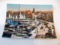 Carte Postale Ancienne : SAINT-TROPEZ : Le Quai, Animé, Voitures Années 1950 - Saint-Tropez