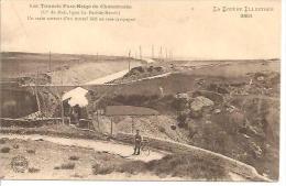 3851. LES TUNNELS PARE NEIGE DE CHASSERADES. UN TRAIN SORTANT D' UN TUNNEL BATI EN RASE CAMPAGNE. - France