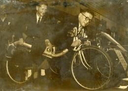 France Paris Concours Lépine Velopla Velo A Plat Ventre Pierre Bourguignon Ancienne Photo 1949 - Cycling