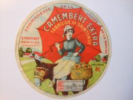 A-17062a - Etiquette De Fromage CAMEMBERT PARAPLUIE ROUGE Martinet à SOUILLAC Vallée De La Soute Charente-Maritime - Fromage