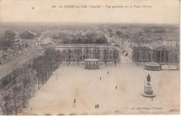 Thématiques 85 Vendée La Roche Sur Yon Vue Générale Sur La Place D'Armes Ecrite - La Roche Sur Yon