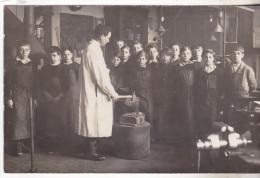 75018 Carte Photo Avec Indications: Mai 1932, Atelier De La Rue J De Maistre,12 Ans ,Maitre Cercier. Tb état - Arrondissement: 18