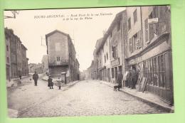 BOURG ARGENTAL - Rond Point De La Rue Nationale Et De La Rue Du Rhône Animé - Café , Epicerie , Plomberie GIRE - 2 Scans - Bourg Argental