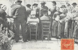 Une Noce Aux Marais Vendéens - Arrivée Des Mariés Chez Eux - Les Hommes Chantent Au Dehors - Collection Boutain - Noces