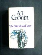 The Stars Look Down [Broché] [Jan 01, 1981] A.J. Cronin - Livres, BD, Revues