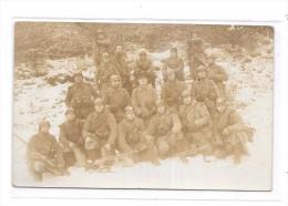 8821 - CPA Militaria, Groupe Militaires, Mitraillettes, - Material