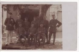 Carte Photo Militaire Allemand Groupe De Soldats-Soldaten-Chien-Animaux- A SITUER A LOCALISER ?? - Personaggi