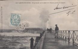 Thématiques 85 Vendée Les Sables D'Olonne Coup De Mer Sur La Jetée De La Chaume Ecrite Timbrée Cachet 11 09 1904 - Sables D'Olonne