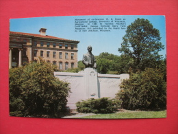 Monument Of Ex-Governor W.D.Hoard On Agricultural Campus,University Of Wisconsin-Madison - Monuments