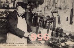 CPA * * Mr TURPIN Dans Son Laboratoire * *  - Guerre 1914 - - Personnages