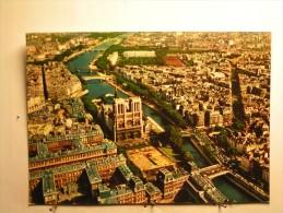 Paris  - La Façade De Notre Dame Et La Seine - Notre Dame De Paris