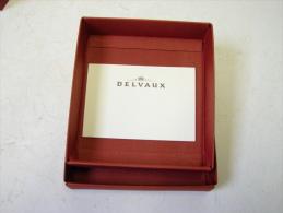 Boîte. 8. Boîte Vide D'une Pochette  Ou Porte Monnaies Delvaux - Boîtes