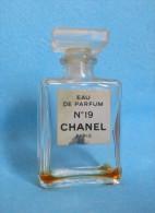 (25) CHANEL N°19 - Miniature De Parfum - Modern Miniatures (from 1961)