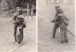 2 Photo Originale Militaire, Gardes Frontière De L'Allemagne De L'Est En Uniformes De Pompiers à L'exercice - 26.12.1969 - Guerre, Militaire