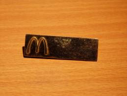 BADGES BROCHES. MAC DONALD. 55X17 MM. - McDonald's