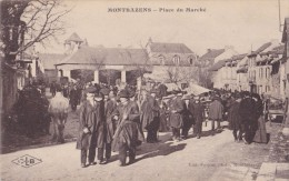 MONTBAZENS ( 12 - Aveyron ) - Place Du Marché ( Rue Animée, Personnes ...) - Montbazens
