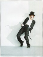 POSTER PHOTO DE ROBIN DESIGN HENRY NEU MYLENE FARMER  NOIR ET BLANC TBE 29 X 21.5 CM Chanteuse Chanteur  Artiste - Manifesti & Poster