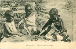 Cpa LESOTHO - LESSOUTO - Fillettes Jouant Aux Osselets - Lesotho