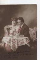Couple Sur Un Canape Buvant Le The - Sonstige