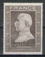 N° 606** - 1941-42 Pétain