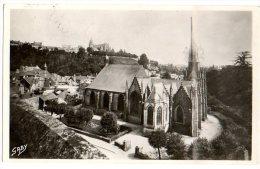Cpsm 9x14     Fougères   Eglise St Sulpice (classée XIè Ou XIIè S. Où Se Trouve La Statue De ND Des Marais)     TBE - Fougeres