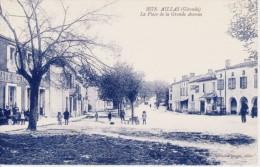 CPA AILLAS 33 - La Place De La Grande Avenue - Other Municipalities