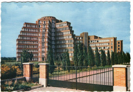 CPSM 59   LILLE       CITE HOSPITALIERE   PORTAIL       VUE D ENSEMBLE      ARCH. WALTER CASSAN MADELEINE - Lille