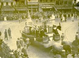 France Lille Grand Cortege Historique Char De Roubaix Ancienne Photo Echo Du Nord 1932 - Places